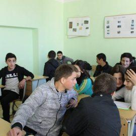 სტუდენტური დისკუსია მახინჯაურის  საჯარო სკოლაში