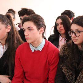 დისკუსია №25 საჯარო სკოლაში